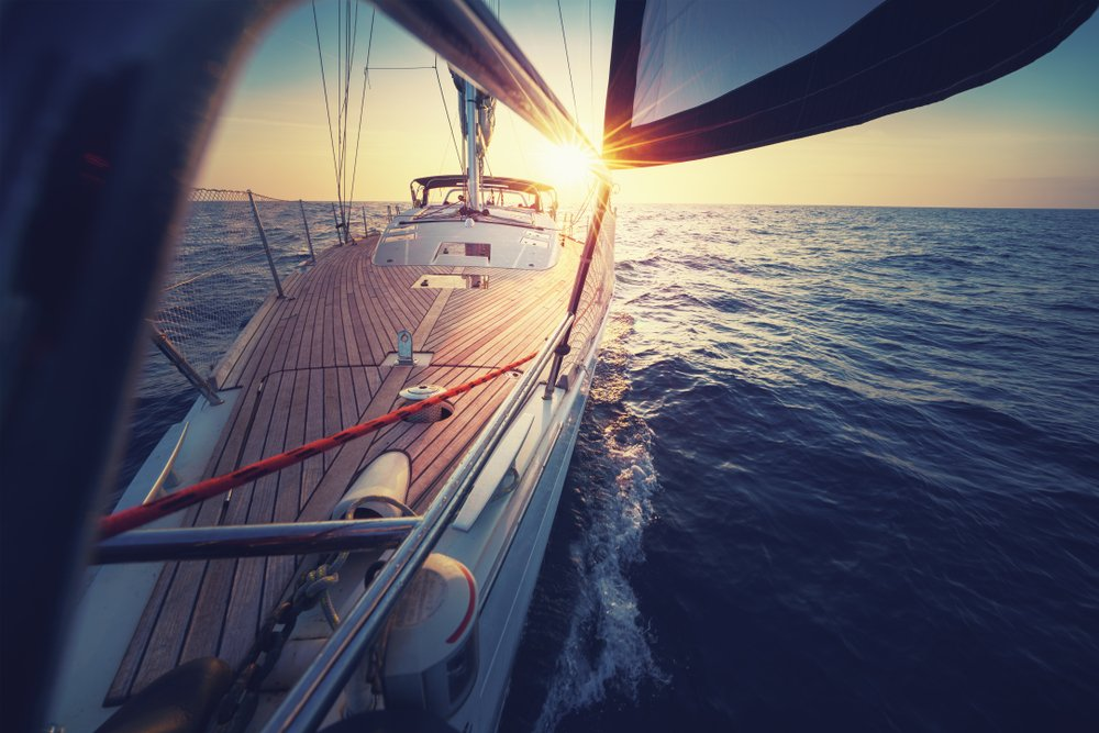 7 Different Types Of Sailboats & Their Differences